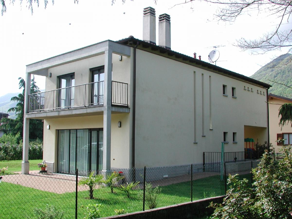 Cuvio (Italien) EFH